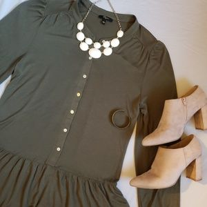 Cupio designer olive green flowy blouse